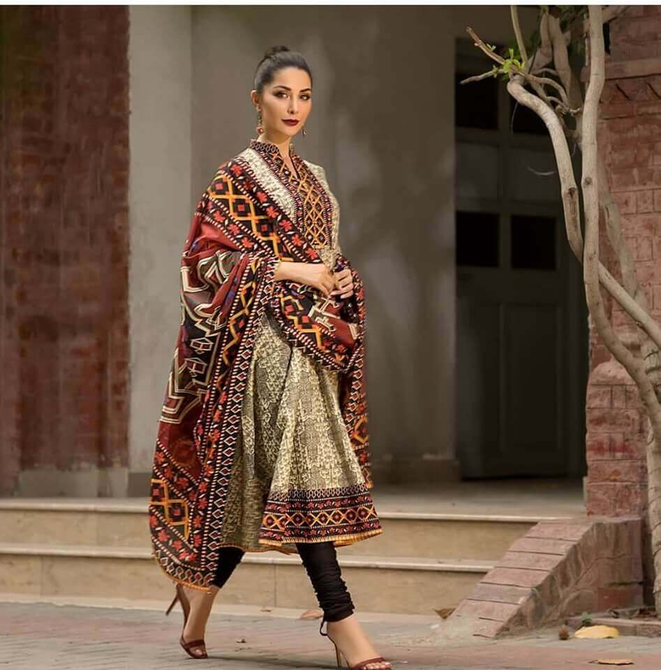 Chinyere Embroided Lawn Collection 2020 CY-08 price in pakistan sanwarna.pk