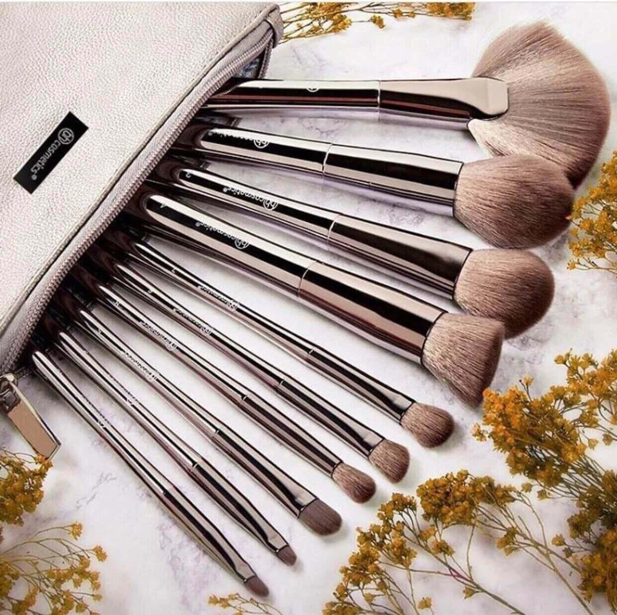 BH cosmetics 10 pcs brush set in pakistan sanwarna.pk