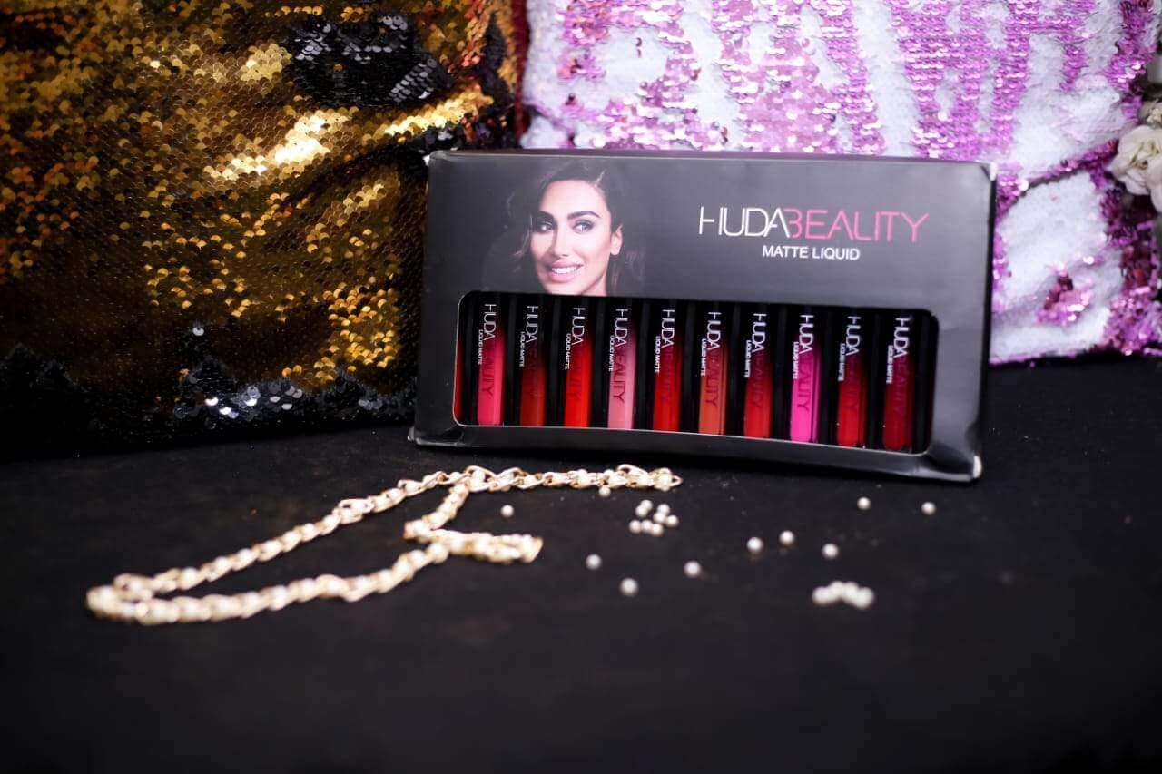 Huda Beauty Matt Lip Gloss Kit Price in Pakistan sanwarna.pk