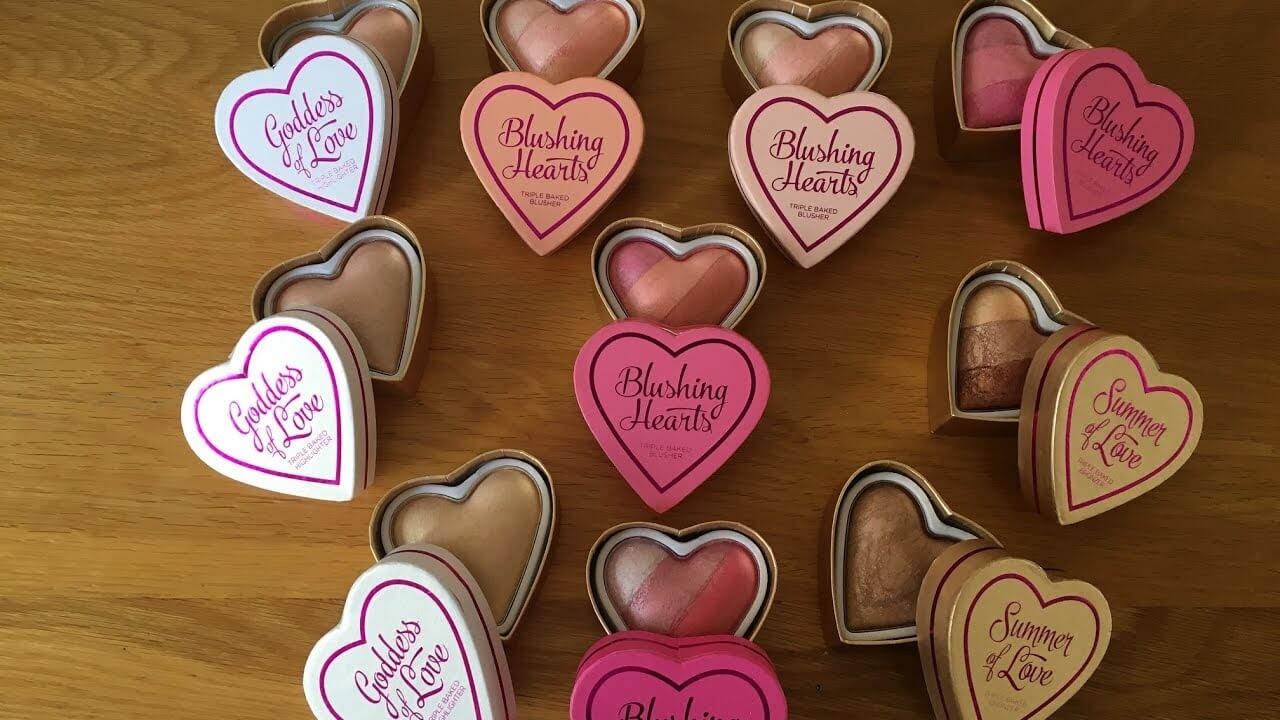 Buy Blushing Hearts Blusher in pakistan sanwarna.pk
