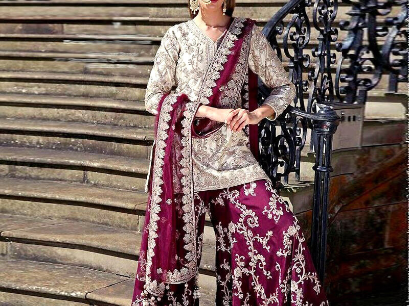 Chiffon Embroidered 3Pc Suit with Silk Trouser in pakistan sanwarna.pk