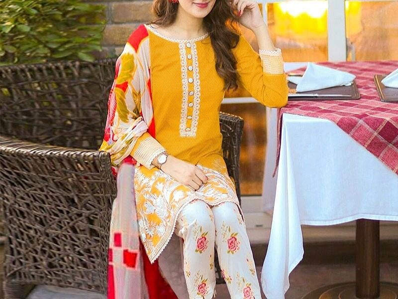 Embroidered Airjet Lawn Collection 2020 with Chiffon Dupatta in pakistan sanwarna.pk