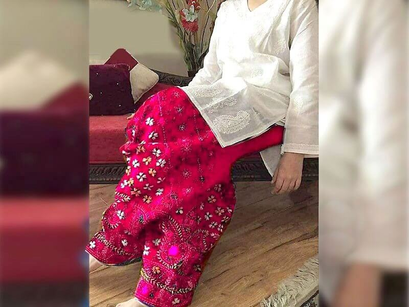 2-Pcs Embroidered Cotton Lawn Dress with Pink Phulkari Embroidered Trouser in pakistan sanwarna.pk