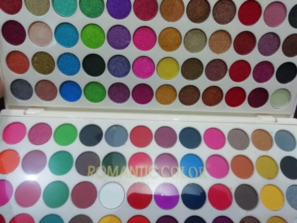 Buy Makhmali plus matte touch glamorous eyeshadow palette