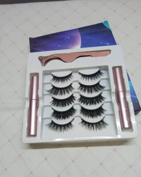 Magnetic Eyelashes with Eyeliner Kit review in pakistan