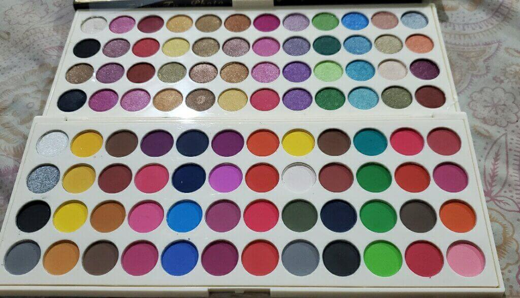 Makhmali Matte Eyeshadow Palette at best price in pakistan